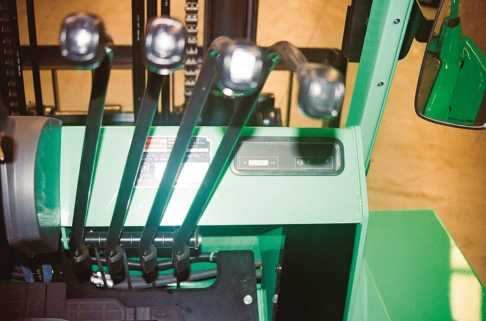 Fork Lift Lever Functions : Mitsubishi grendia fd n diesel forklift review trade