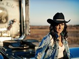 Country rock singer Jayne Denham has signed a promotional partnership deal with ScuzzTrans