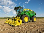 John Deere has added three new mdoels to its 8000 series self-propelled harvester range to offer producers better productivity and a lower operating cost.