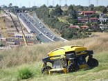 The SPIDER ILD 02 radio-controlled slope mower is intended for the maintenance of steeply sloping areas.