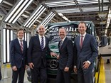 From left: plant manager and CEO at Mercedes-Benz Ludwigsfelde Sebastian Streuff, first minister of the state of Brandenburg Dr Dietmar Woidke, head of Mercedes-Benz vans Volker Mornhinweg, and head of operations Mercedes-Benz vans Frank Klein.