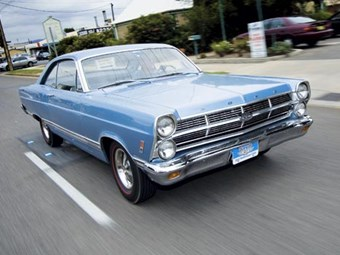 Ford 427 R-code Fairlane review back