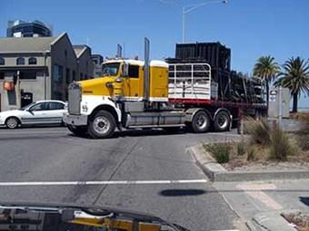 Design roads for heavy vehicles: Austroads