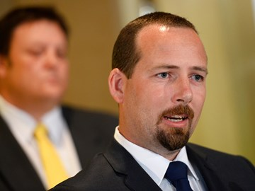 Senator Ricky Muir swings his support behind RSRT