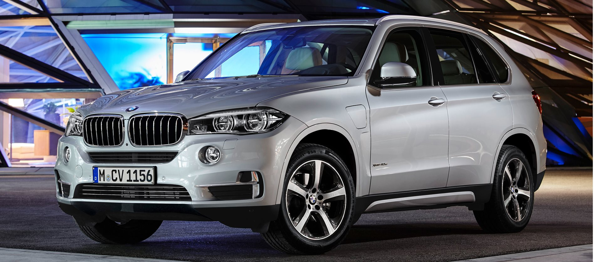 2016 bmw x5 plug in hybrid first official pics wheels. Black Bedroom Furniture Sets. Home Design Ideas
