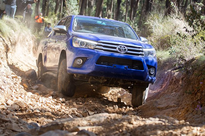 2016 toyota hilux off road test