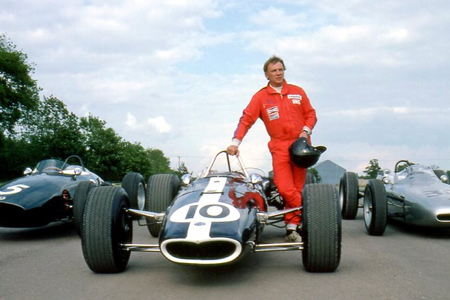 Racing legend Dan Gurney dies from complications of pneumonia