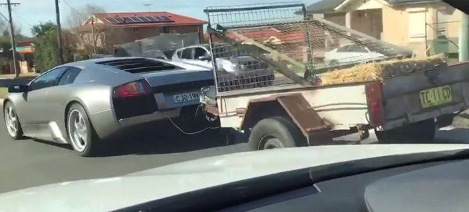 VIDEO: Lamborghini Murcielago caught towing trailer