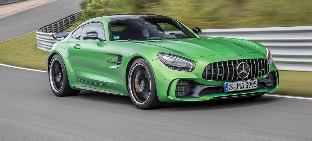 Mercedes-AMG GT R on track vs GT C on road