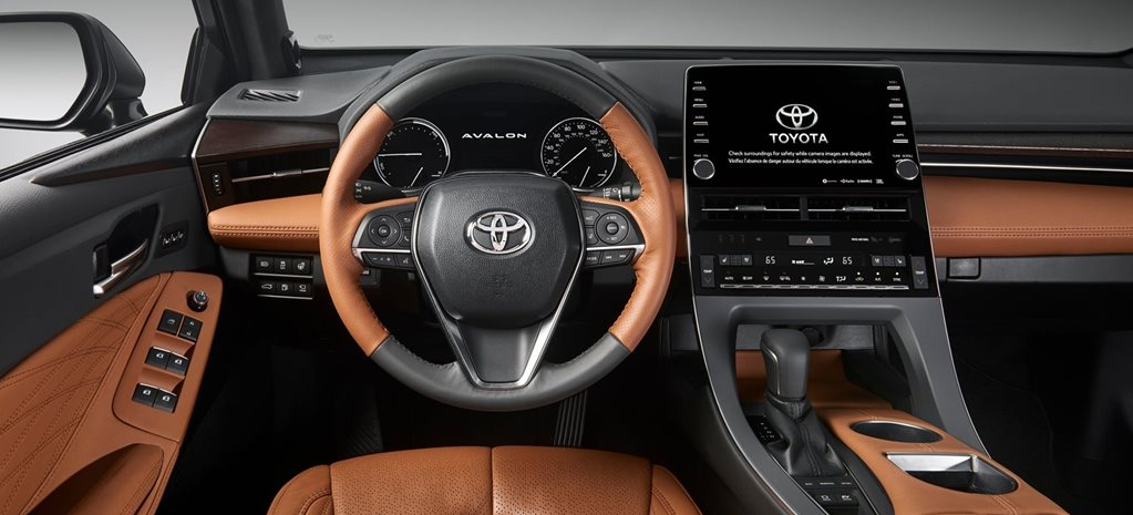 Toyota adds CarPlay to the dashboard but only in the US