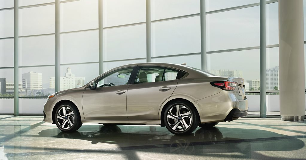 Subaru Legacy debuts at Chicago auto show