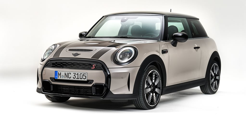 MINI Gives 2022 Hatches And Convertible A Maxi Update
