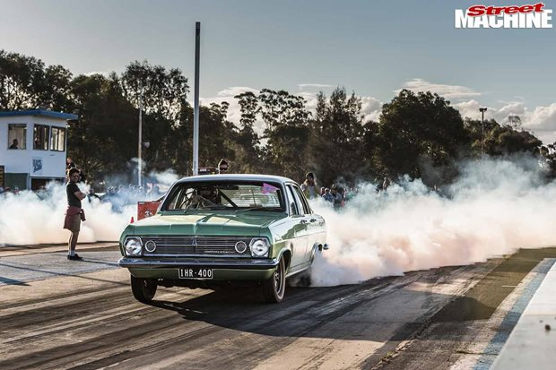 Column-shift eight-second HR Holden – Video