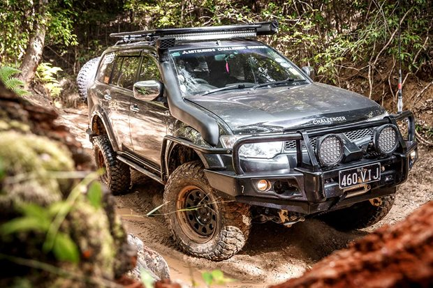 Custom Mitsubishi Challenger review