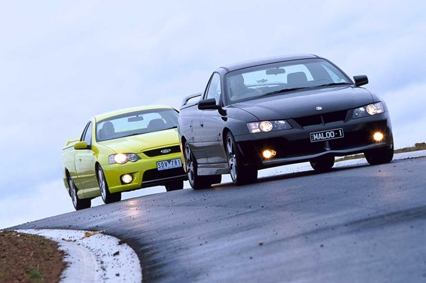 2004 FPV Pursuit vs HSV Maloo R8 comparison review
