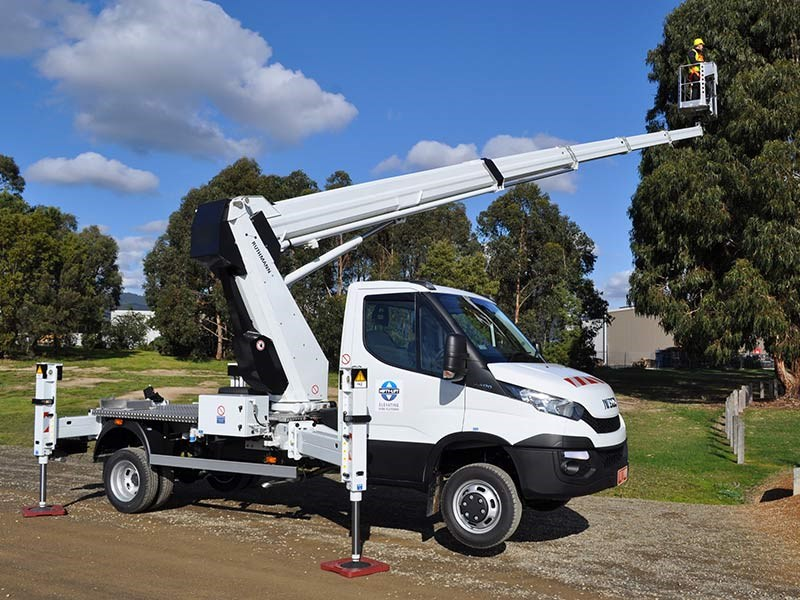 Nifty lift and iveco unveil cherry picker vehicle news sciox Gallery