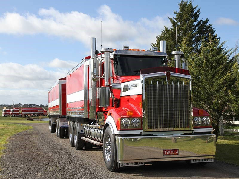 Freightliner Classic For Sale By Owner >> Revealed: Australia's top 10 selling trucks | News