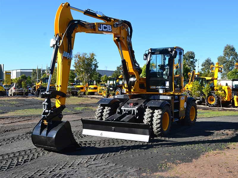 JCB Hydradig wheeled excavator review