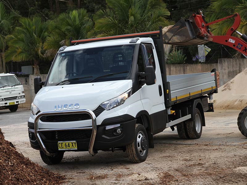 iveco daily tipper truck review. Black Bedroom Furniture Sets. Home Design Ideas
