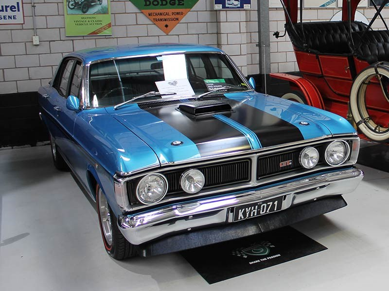 Holden Dealers Melbourne >> Falcon XY Phase 3 Passed in at Shannons Melbourne Auction