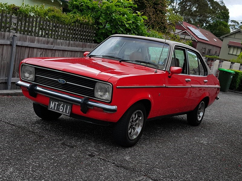 Ford Escort MkII Ghia - today\'s tempter