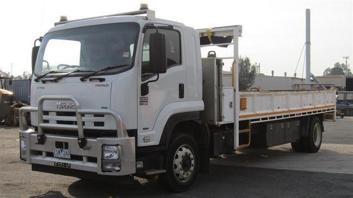 2013 ISUZU FTR900