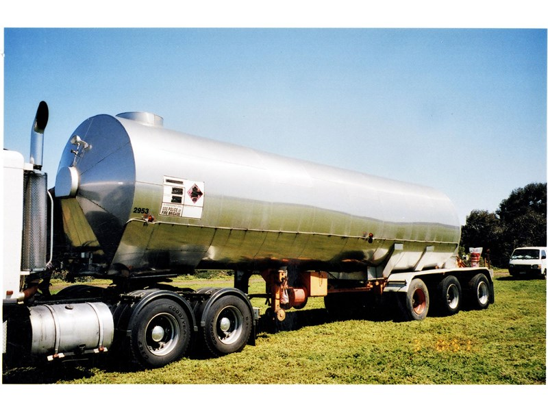 cem triaxle stainless insulated gas tanker 151171 001