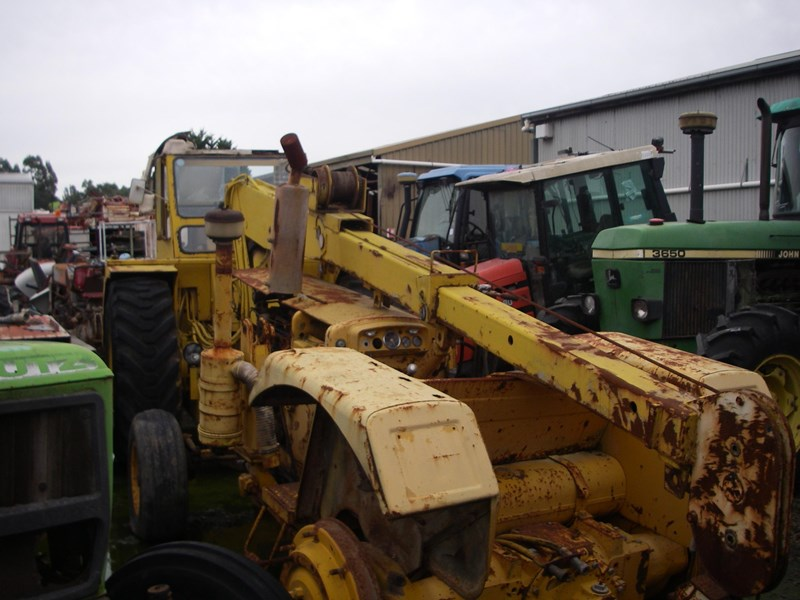 john deere tractor crane (wrecking parts only) tc23 mobilift 220962 002