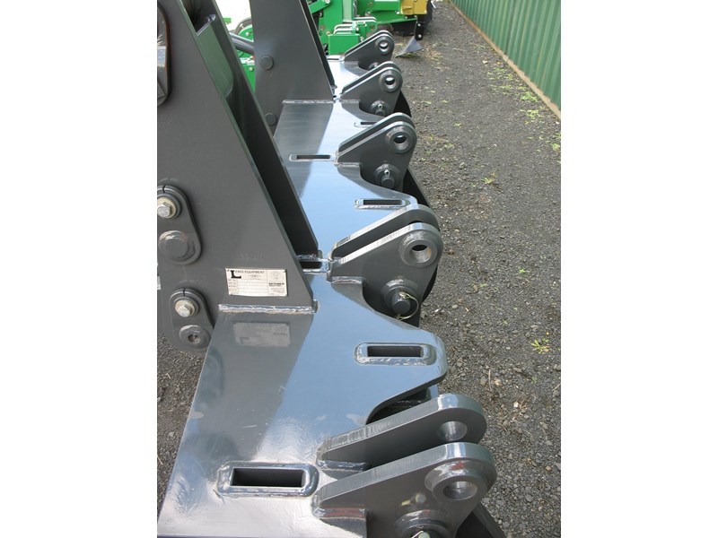 gessner lewis grader ripper to suit volvo 930/940 normally $28,500 + gst 222862 006