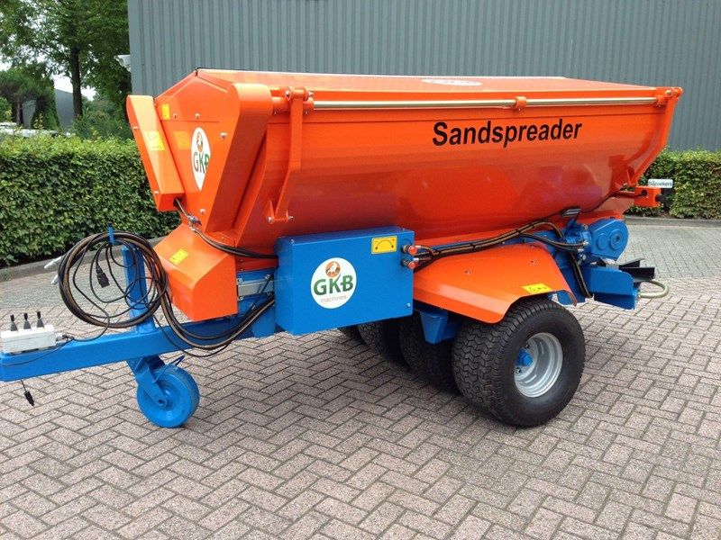 Sand Spreaders For Tractors : Gkb machines sand spreader for sale