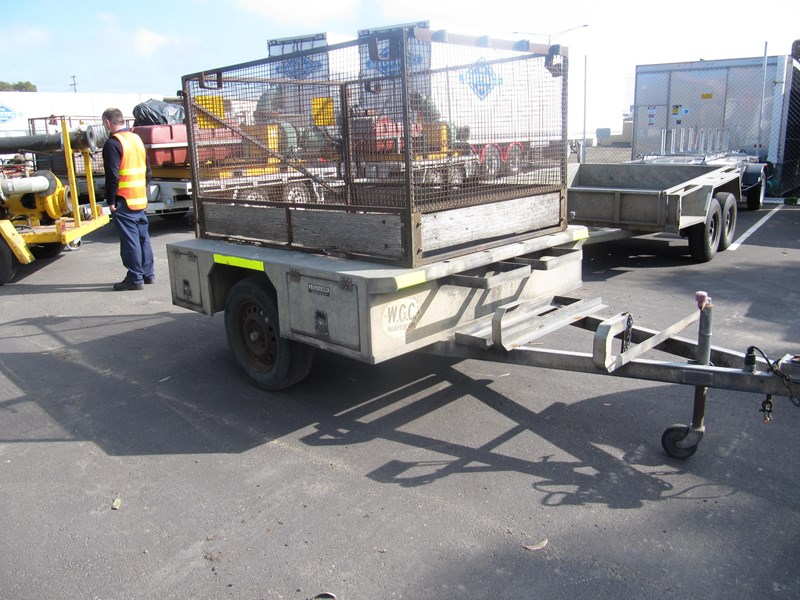 a tully sons box trailer 323181 002