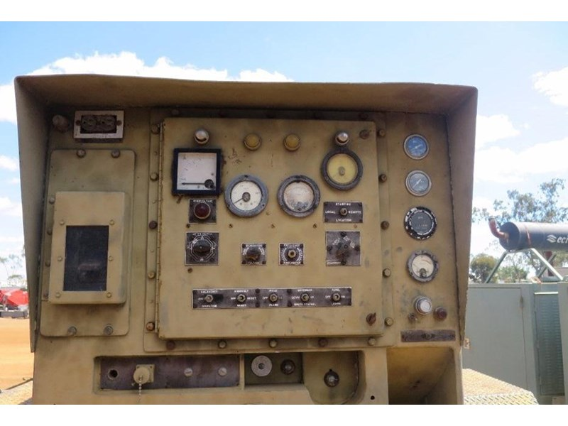unknown trailer mounted generator 320436 001