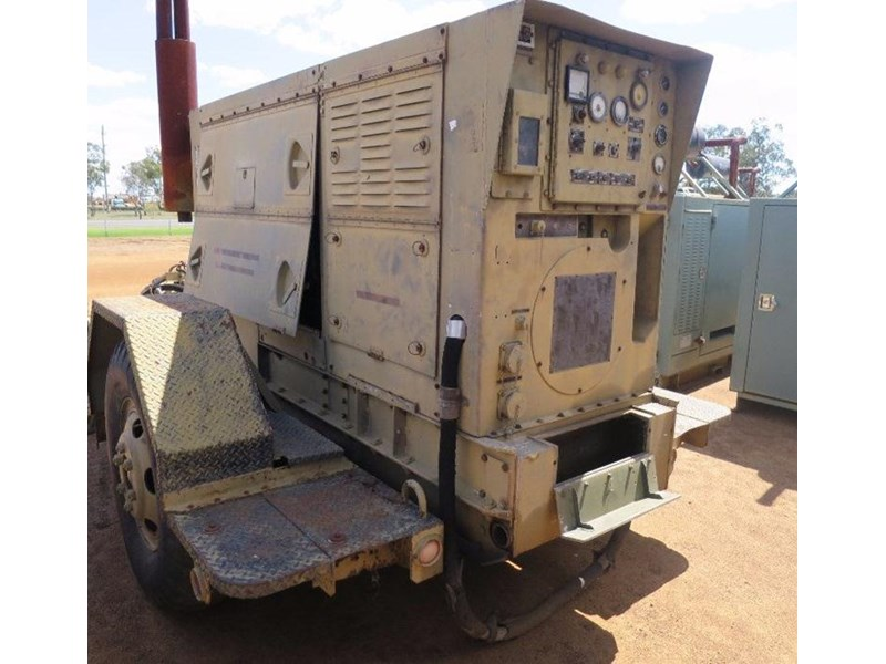unknown trailer mounted generator 320436 004