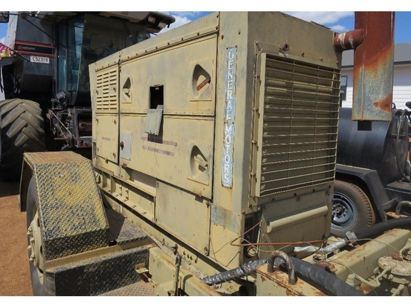 unknown trailer mounted generator 320436 008