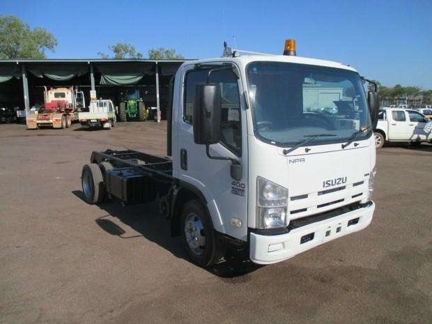 isuzu npr400 medium 340132 001