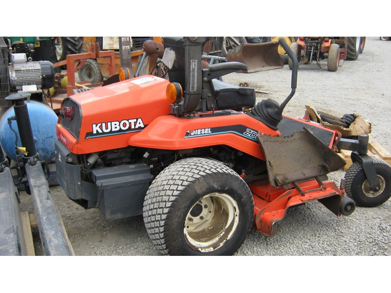 kubota zd21 ride on mower (2 of) 343968 010