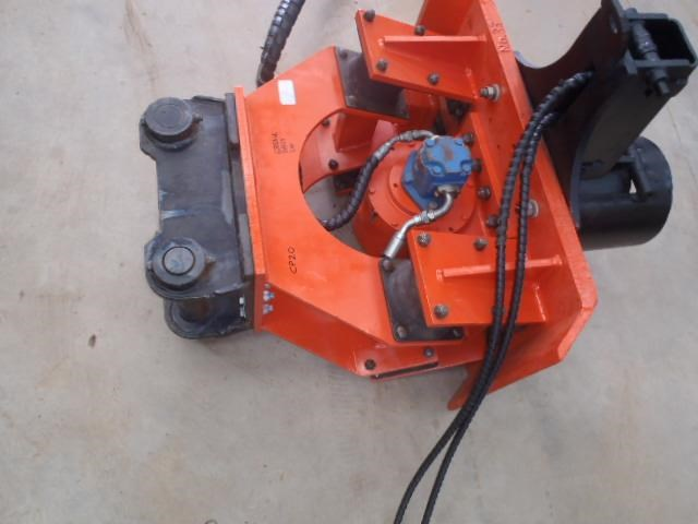 pneuvibe hire - cp300 pile driver 351957 006