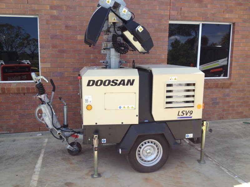 doosan v9 lighting tower 352475 001