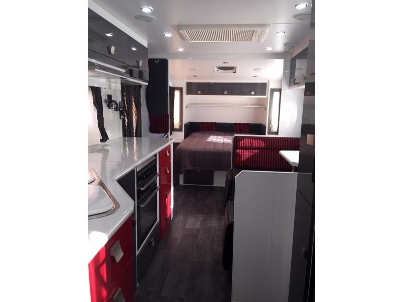 traveller utopia 23' delux ensuite outback 356176 012