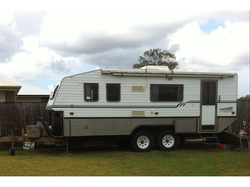 Excellent With Van Morrison On The IPod We Are Whistling Our Way Up The Oodnadatta Track, A Monday Morning Like This Is The Best Monday Morning Ever  We Book A Night At The Caravan Park, We Grab One Hour Of Internet At $10, Double The Price