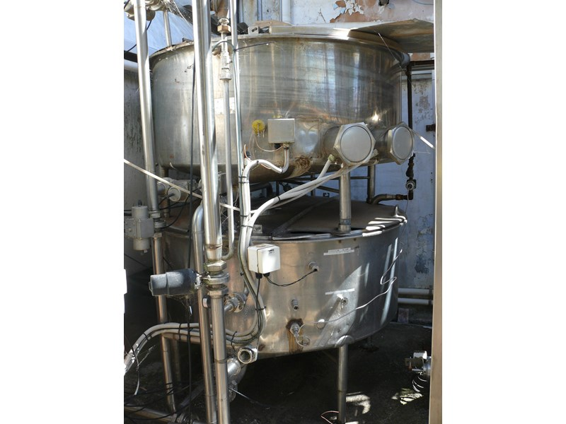 other dairy processing equipment - various stainless steel items. 392596 002