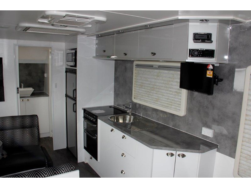 "goldstream rv rhino  ""reduced"" one only save $4,739 409428 023"