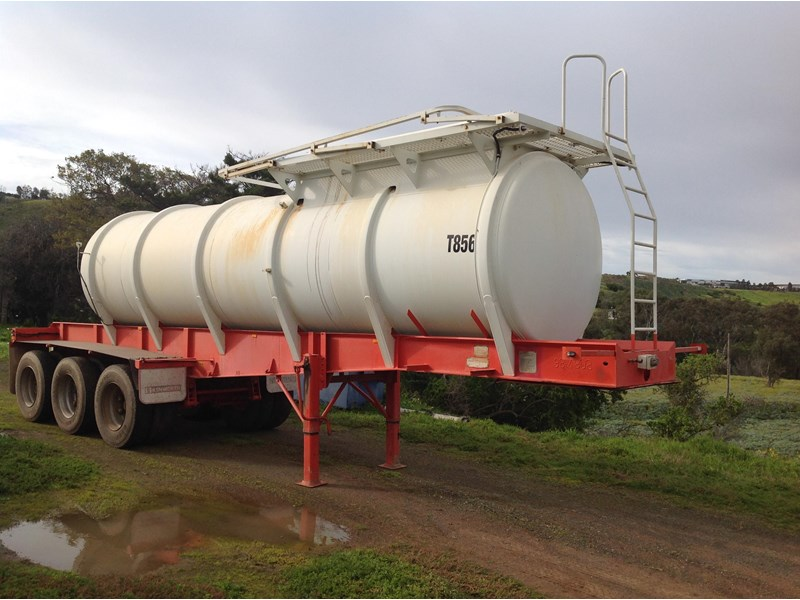 howard porter stainless steel  316 triaxle tanker 420211 008