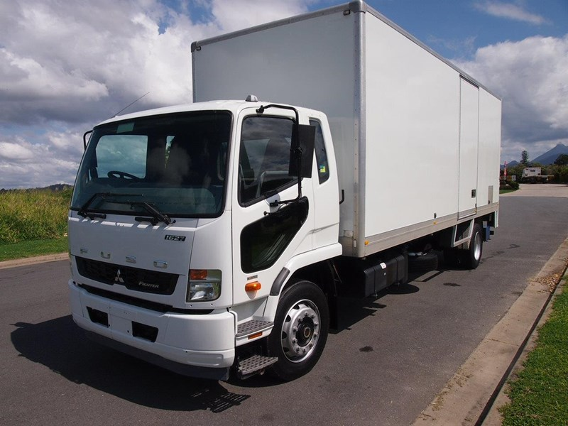 fuso fighter 1627 428346 007