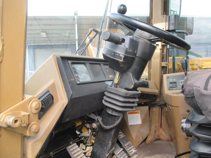 caterpillar 815f compactor (also available for hire) 431364 018