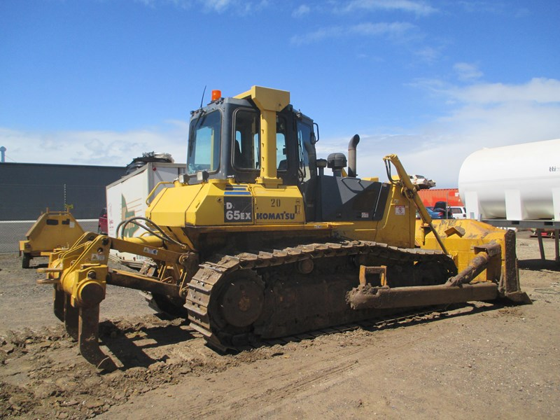 komatsu d65ex-15 dozer (also available for hire) 434804 006