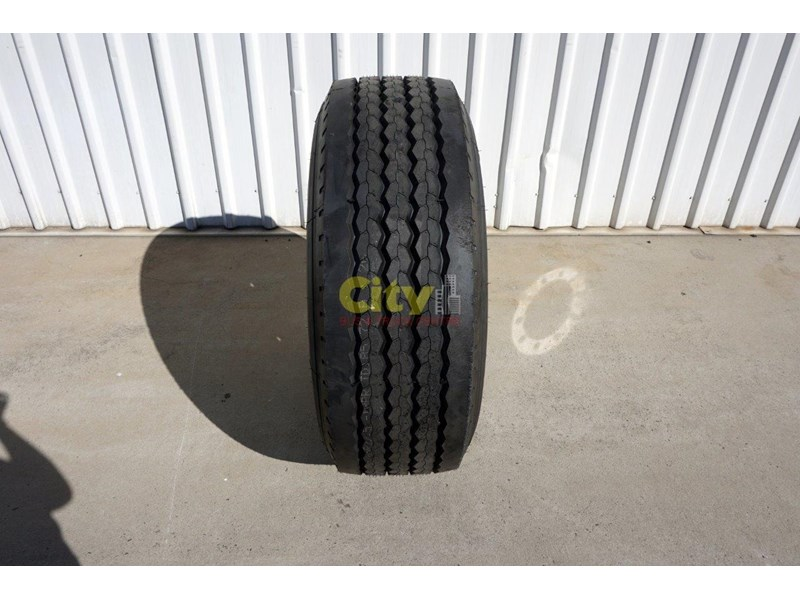 other 10/335 11.75x22.5 super single rim & tyre package 448575 004