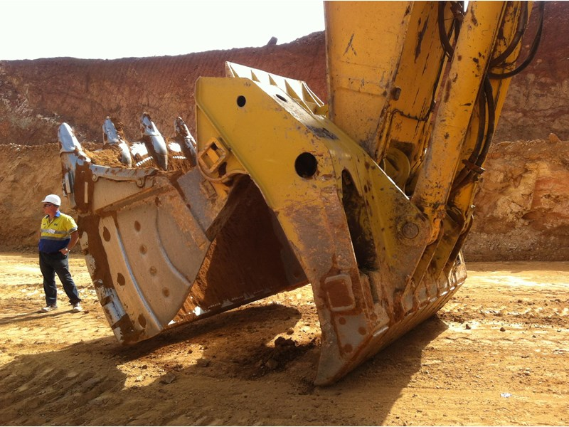 boss italia 100-350 ton mine spec face shovel buckets 450744 003