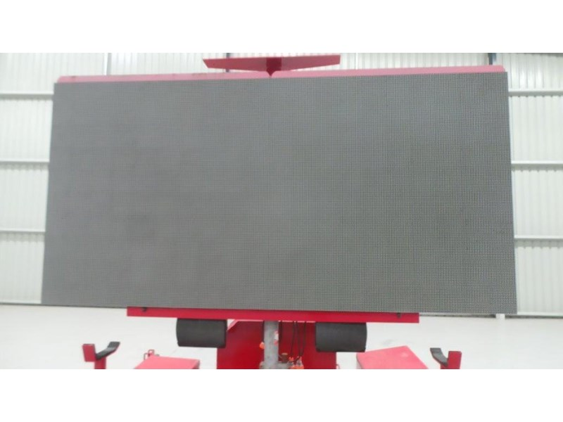mak trailers variable message board 456100 009