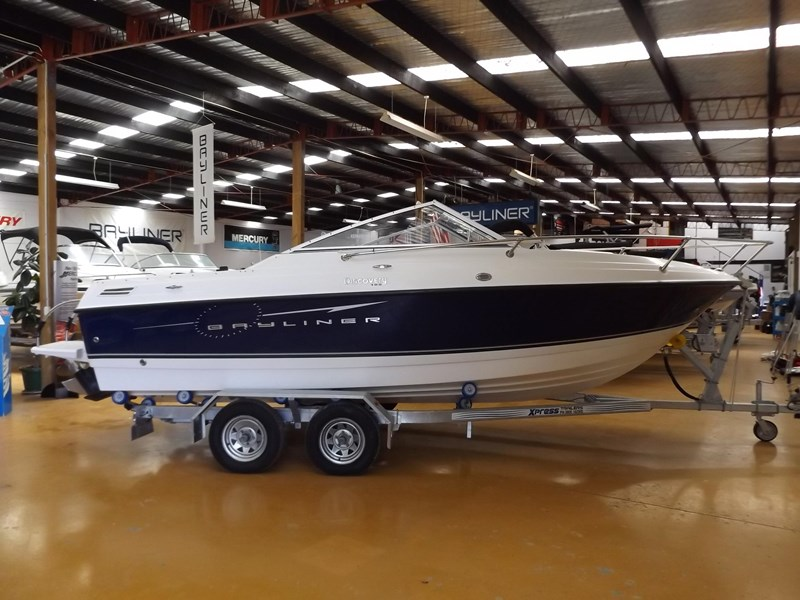 bayliner 192 discovery cuddy cabin 457745 001